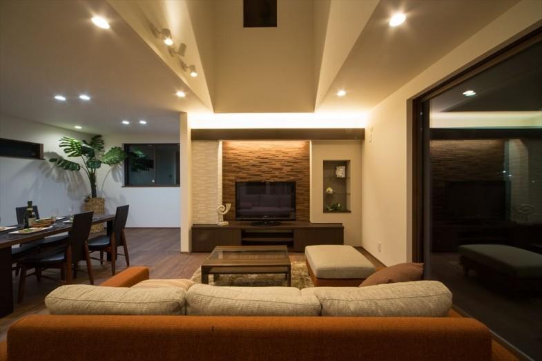 実際にお客様と建てた家。開放的で癒やされるデザインとして仕上げました。